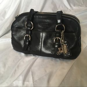 Coach Black vintage shoulder bag w.charms